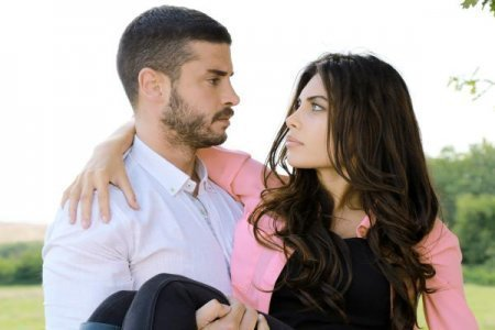 Турецкий сериал: Не убегают от любви / Asktan Kacilmaz (2014)