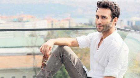 Сечкин Оздемир о своей роли в сериале «Любовь напрокат / Kiralık Aşk»