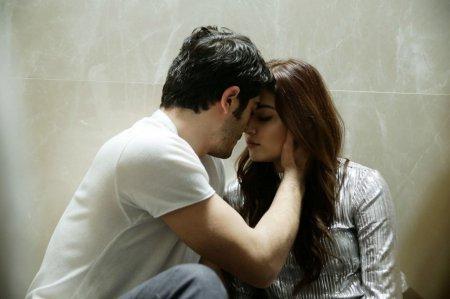 Любовь не понимает слов / Aşk Laftan Anlamaz 19 серия, описание и фото