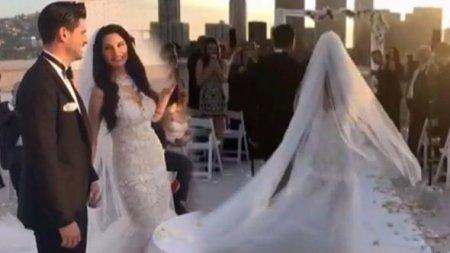Толгахан Сайышман и Альмеда Абази поженились в Лос-Анджелесе