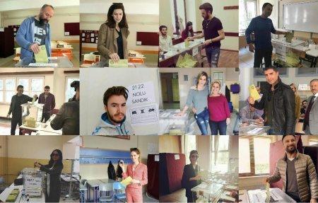 Турецкие звезды на референдуме
