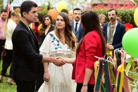 Стамбульская невеста / İstanbullu Gelin 9 серия описание и фото