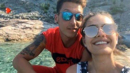 Амине Гюльше и Месут Озил на отдыхе