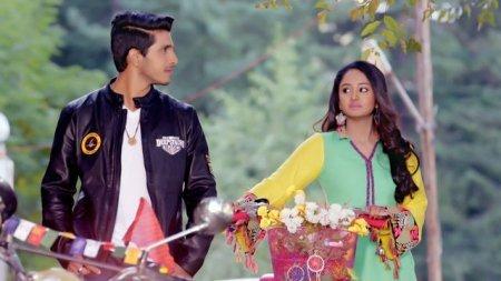 Индийский сериал: Такая вот Астха/ Ek Aastha Aisi Bhi (2017)