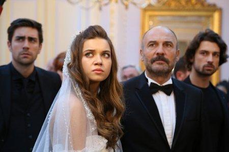 Госпожа Фазилет и ее дочери / Fazilet Hanim ve Kizlari - 18 серия, описание и фото
