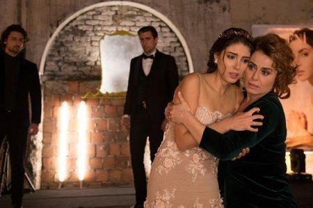 Госпожа Фазилет и ее дочери / Fazilet Hanim ve Kizlari - 26 серия, описание и фото