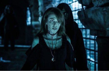Эльчин Сангу обожает вампирские сериалы