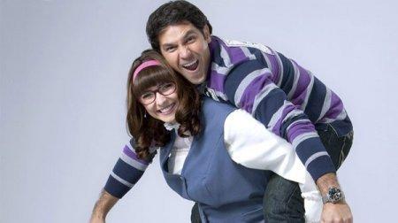 Мексиканский сериал: Полная любви / Llena de amor (2010)
