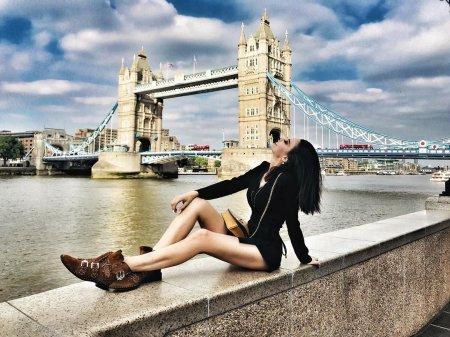 Тувана Тюркай переехала в Лондон