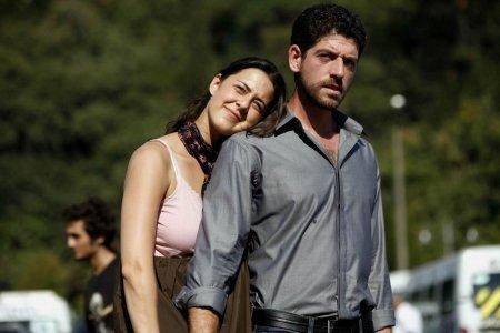Турецкий фильм: Одинокий человек / Issiz Adam (2008)