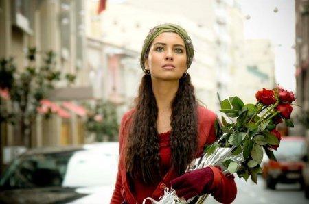 Турецкий сериал: Разбивающая сердца / Gonulcelen (2010)