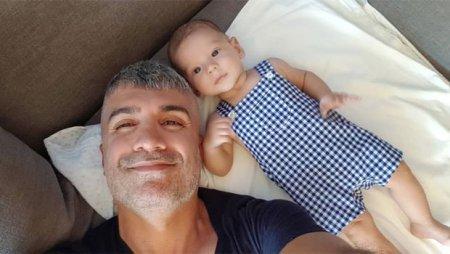 Озджан Дениз и его маленький сын