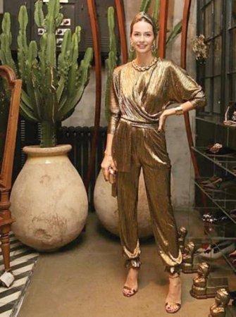 Модные эксперты обсудили наряды Серенай Сарыкая и Хадисе