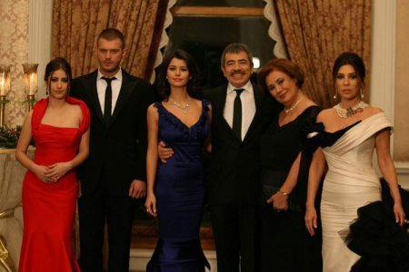 Турецкий сериал: Запретная любовь / Ask-I Memnu (2008)
