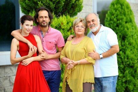Турецкий фильм: Твоя история / Senin Hikayen (2013)