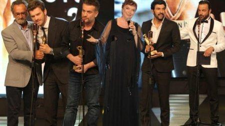Турецкие звезды получившие награды в мае месяце