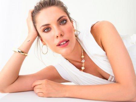 Биография: Эда Эдже / Eda Edce – турецкая актриса