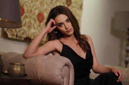 Биография: Сера Кутлубей / Sera Kutlubey – турецкая актриса