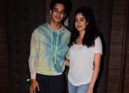 Джанви Капур и Ишаан Кхаттар блистают на светском мероприятии