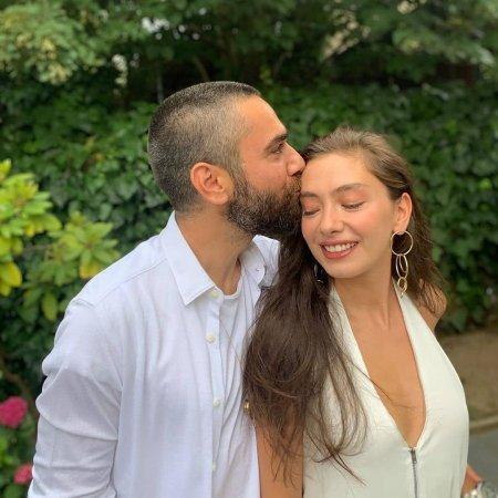 Кадир Догулу и Неслихан Атагюль отпраздновали 3 годовщину свадьбы