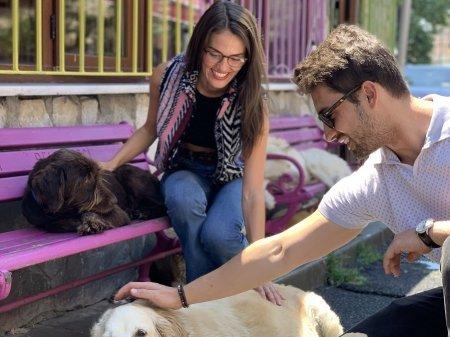 Альп Навруз и Гюльпер Оздемир посетили приют для животных