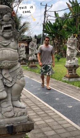 Кыванч Татлытуг с женой на Бали