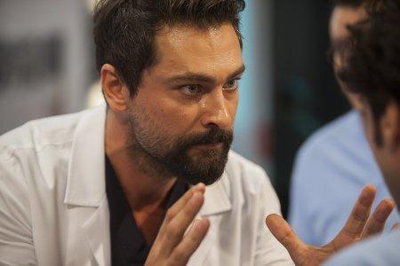 Чудесный доктор / Mucize Doktor – 2 серия, описание и фото