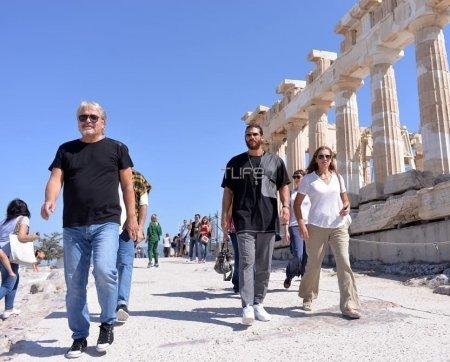 Джана Ямана тепло встретили в Греции