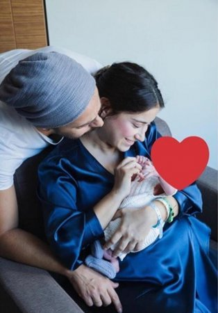 Хазал Кая опубликовала первое семейное фото