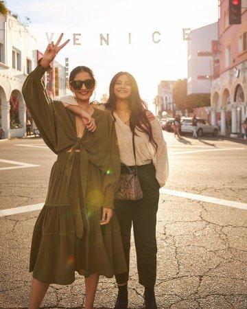 Лос-Анджелес глазами сестер Сонам и Реи Капур