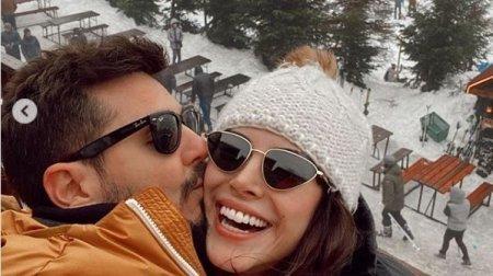 Дениз Байсал наслаждается зимними каникулами перед началом нового сериала
