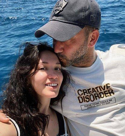 Новая совместная фотография пары Хазал Субашы и Рызы Коджаоглу