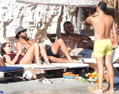 Где Барыш Ардуч и Гюпсе Озай проводят медовый месяц