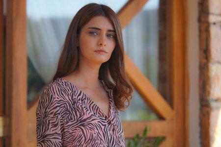 Дочь посла / Sefirin Kizi – 29 серия, описание и фото