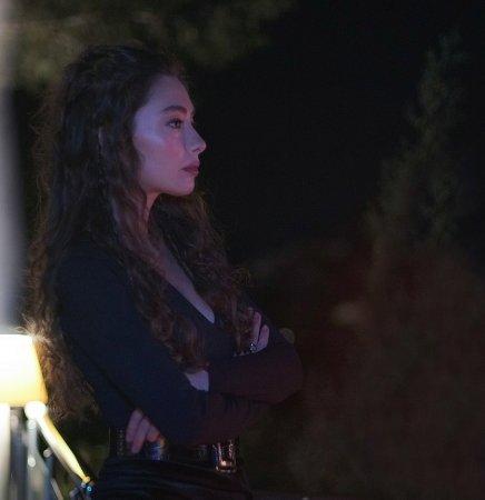 Дочь посла / Sefirin Kizi – 31 серия, описание и фото