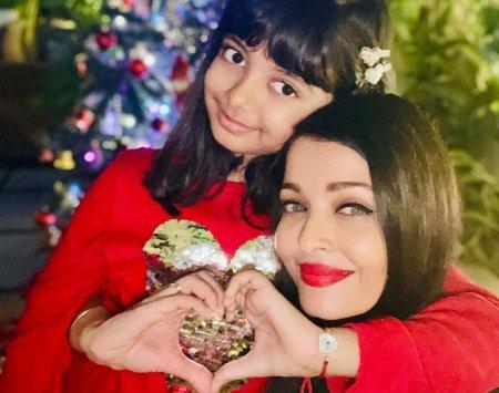 Айшвария Рай Баччан с дочерью поздравили с Рождеством