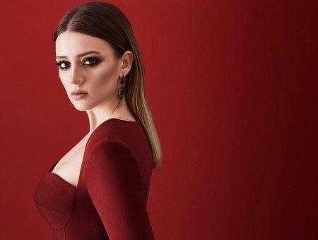 Биография: Гизем Караджа / Gizem Karaca – турецкая актриса