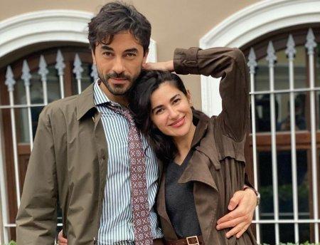 Романтичная пара Гекхан Алкан и Несрин Джавадзаде