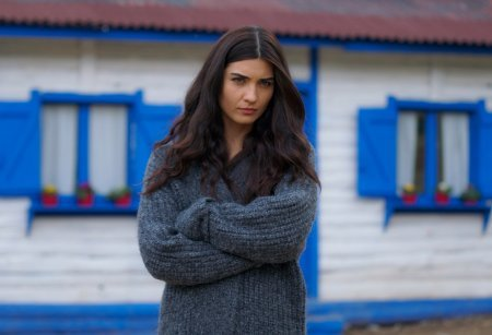 Дочь посла / Sefirin Kizi – 39 серия, описание и фото