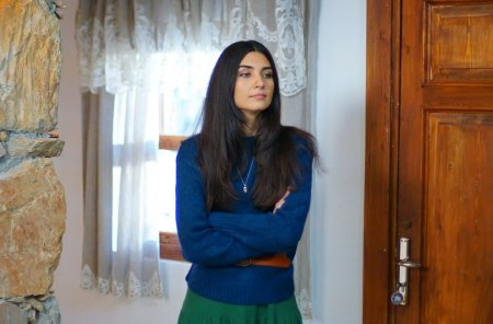 Дочь посла / Sefirin Kizi – 45 серия, описание и фото